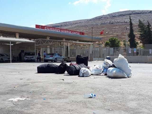 Le poste frontière de Bab al Awa, limitrophe entre la Syrie et la Turquie, fermé aux réfugiés qui fuient le régime.