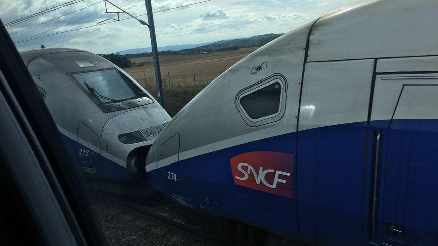TGV à l'arrêt entre Valence et Marseille