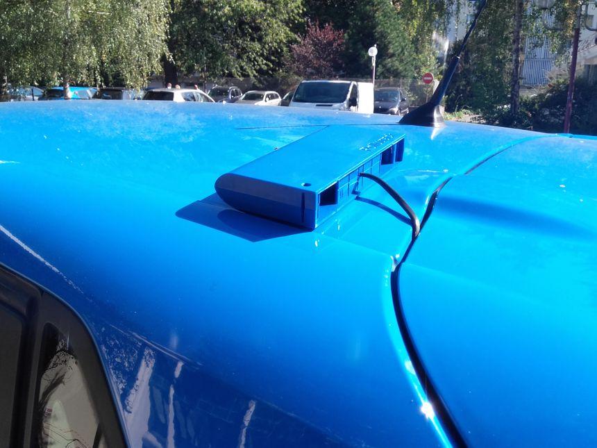 Les micro-capteurs laser contenus dans ce boîtier vont permettre de préciser, à la rue près, les concentrations en PM 2,5