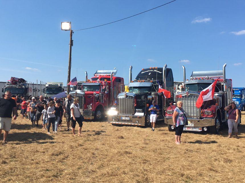 Les camions américains éblouissent le public lors de la fête du camion de Saint Junien ce samedi.