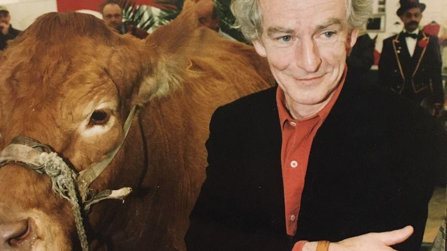 En 2002 René Pétillon avait reçu le prix de l'humour vache au salon du dessin de presse et de l'humour de Saint-Just-Le-Martel