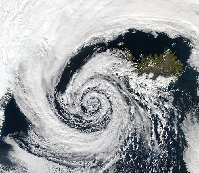 """""""Le système atmosphérique est chaotique. Il y a un côté aléatoire et imprévisible dans son évolution. Exemple typique avec la difficulté de la prévision d'un orage"""". Alain Dabas"""