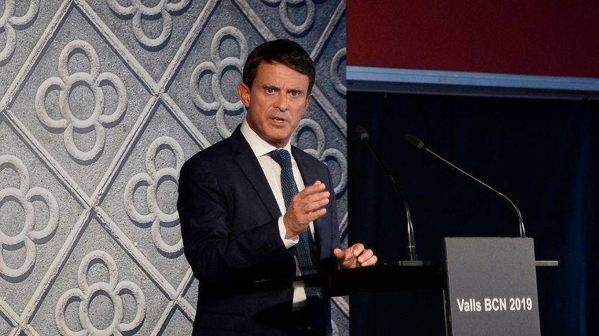 Manuel Valls, lors de l'annonce de sa candidature aux municipales de Barcelone.