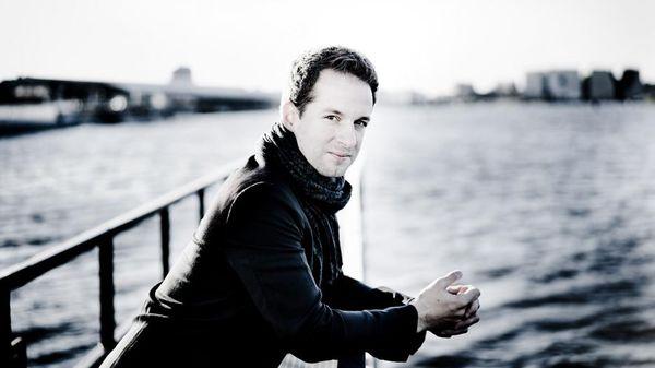 """Bertrand Chamayou, le pianiste """"événement"""" est l'invité de Musique Matin"""