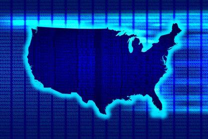 Aux États-Unis, Palantir travaille pour plusieurs agences de renseignement, comme la NSA et le FBI.