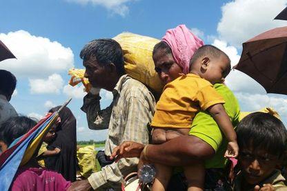 Ils sont affamés, épuisés. Les militaires birmans leur ont volé tout leur argent et ils ont dû payer l'équivalent de 50 euros pour la traversée.