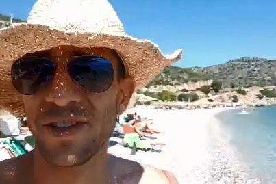 Capture écran de la vidéo d'Adam Catzavelos dans laquelle il tient des propos racistes