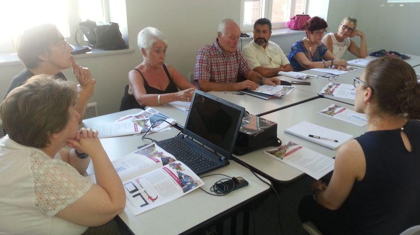 Les élus de la ville de Bourges et les responsables de l'OMSJC