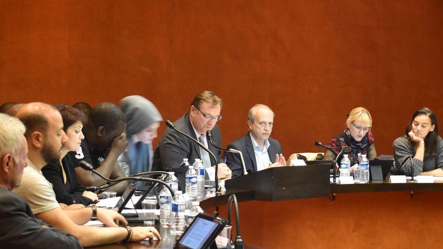 bobigny   conseil municipal agit u00e9 pour l u0026 39 examen du rapport de la chambre r u00e9gionale des comptes