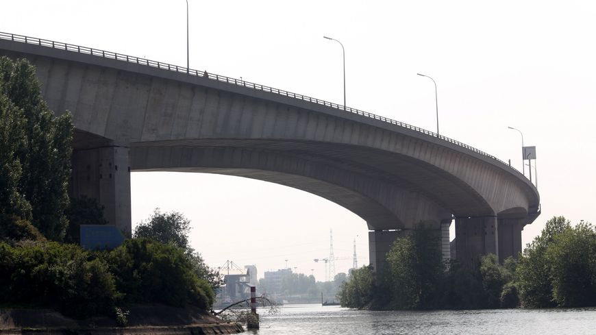 """Le viaduc de l'A15 entre Argenteuil et Gennevilliers fait partie des ouvrages dont la structure """"peut être affectée à court terme""""."""