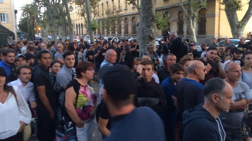 Environ 150 personnes rassemblées à Ajaccio pour protester contre l''agression