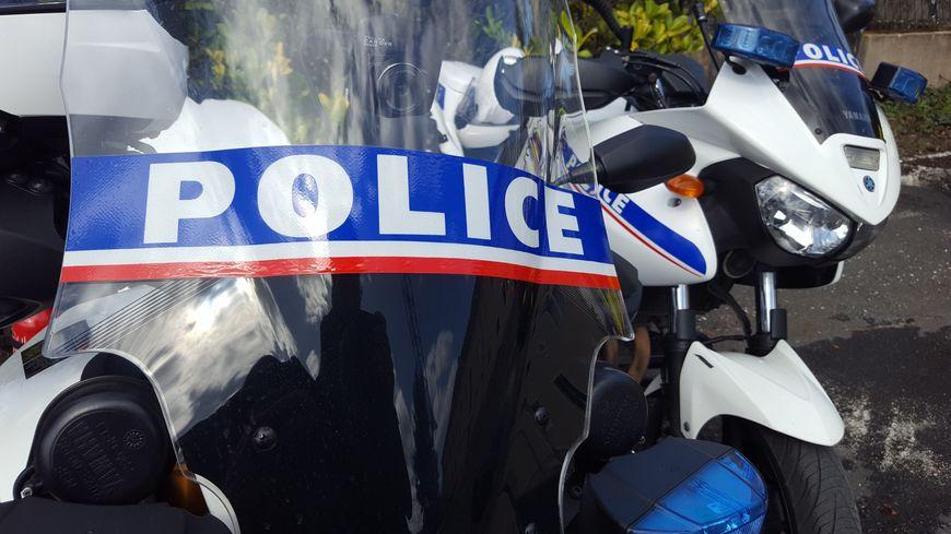 Interpellés par les agents de sécurité, les voleurs ont fini au poste de police.
