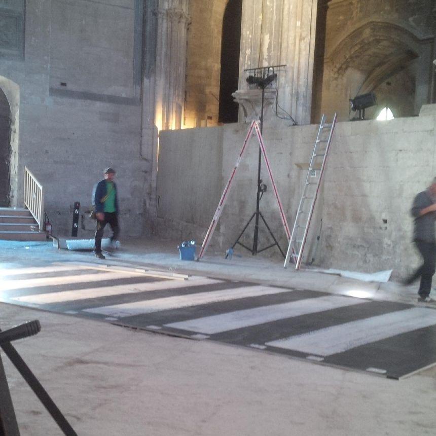 """Passage piéton de """"Abbey Road"""" scanné par Pascale et Thierry Nivaux ( en cours) Eglise des Célestins."""