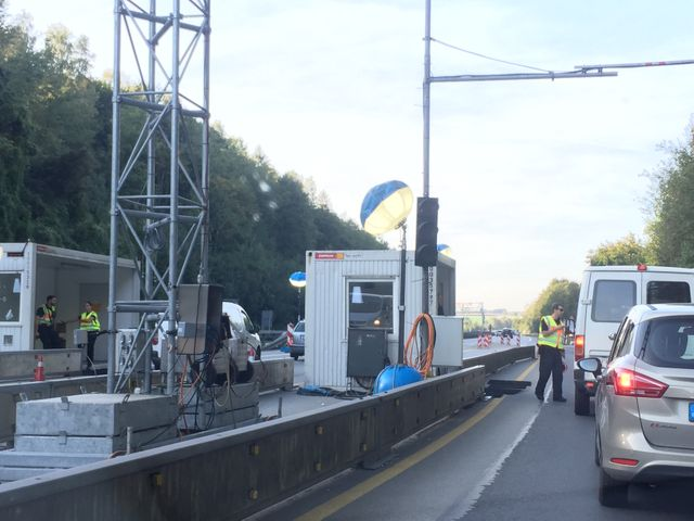 A la sortie de Salzbourg, des bouchons, une file ininterrompue de camions.