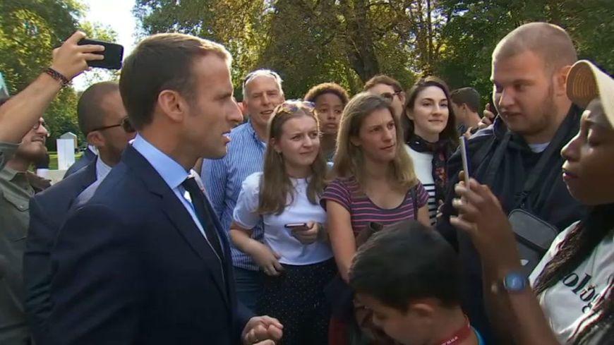 Durant les Journées du patrimoine, Jonathan (à droite) avait interpellé Emmanuel Macron sur ses difficultés à trouver un travail