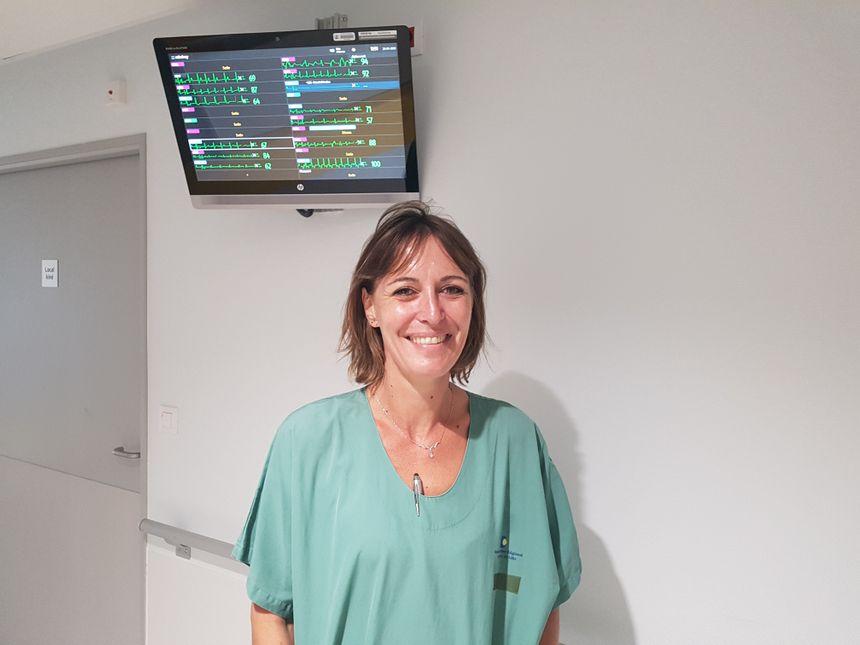 Hélène Sergent est la première infirmière à avoir été formé à l'hypnose au service cardiologie interventionnelle du CHU de Lille - Radio France