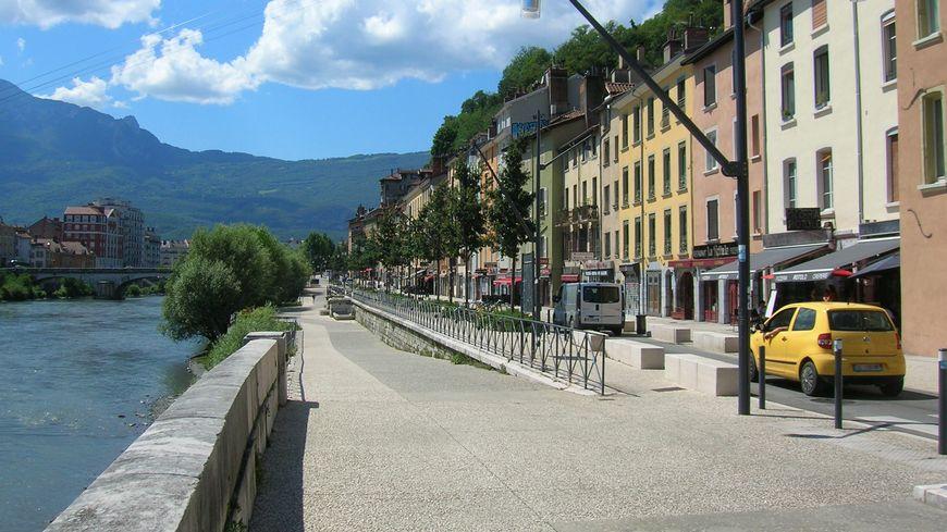 Un homme a été blessé par arme à feu hier dans le quartier Saint-Laurent à Grenoble.