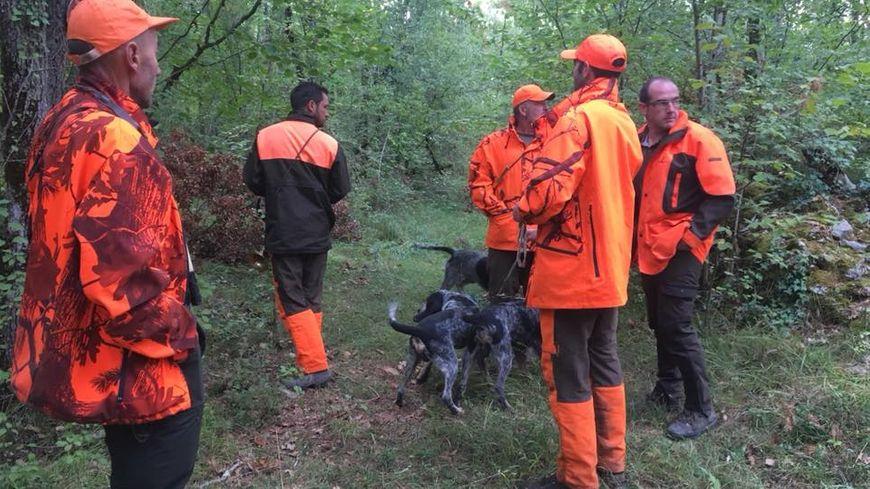 17 chasseurs ont participé à la première battue de sangliers de la saison à Sorges.