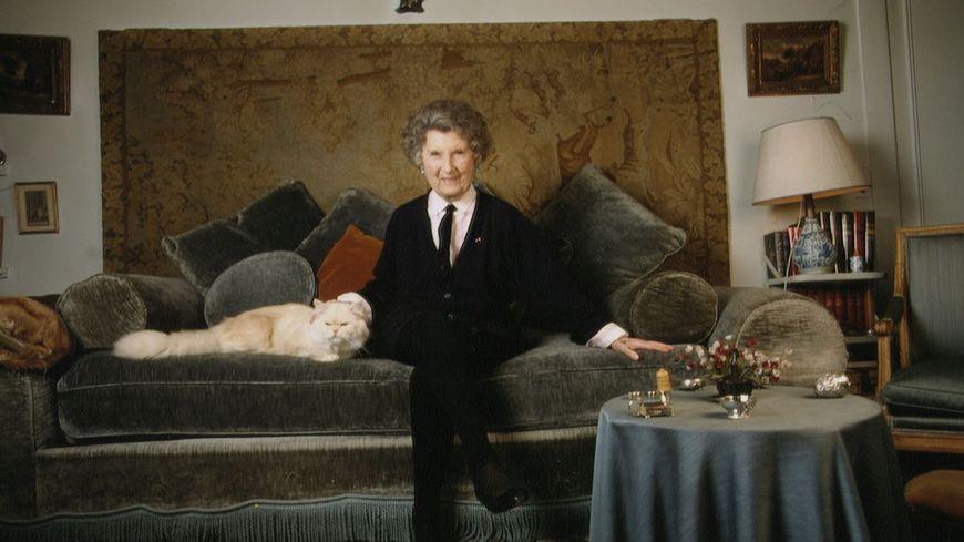Mireille Hartuch connue sous le nom d'artiste Mireille.
