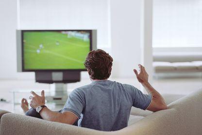 """Canal + a perdu son monopole sur le """"foot à la télé"""" . Quel avenir se dessine aujourd'hui pour la chaîne ?"""