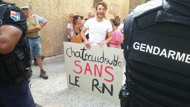 Manifestation contre la venue de Marine Le Pen à Châteaudouble