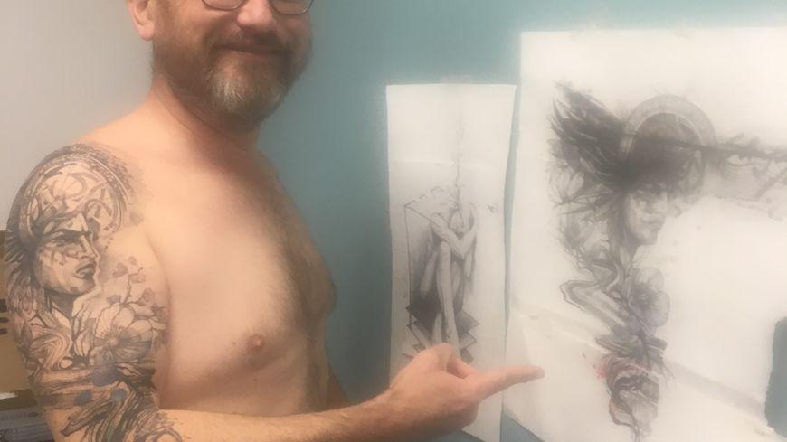 Le dessin à droite... et le résultat en vrai sur Alexis