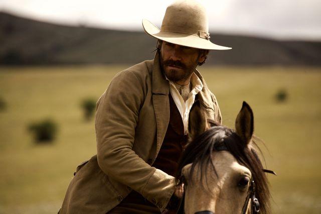 """Jake Gyllenhaal, sur le tournage des """"Frères Sisters"""" le western du frnaçais Jacques Audiard, en salles le 19 septembre 2018"""