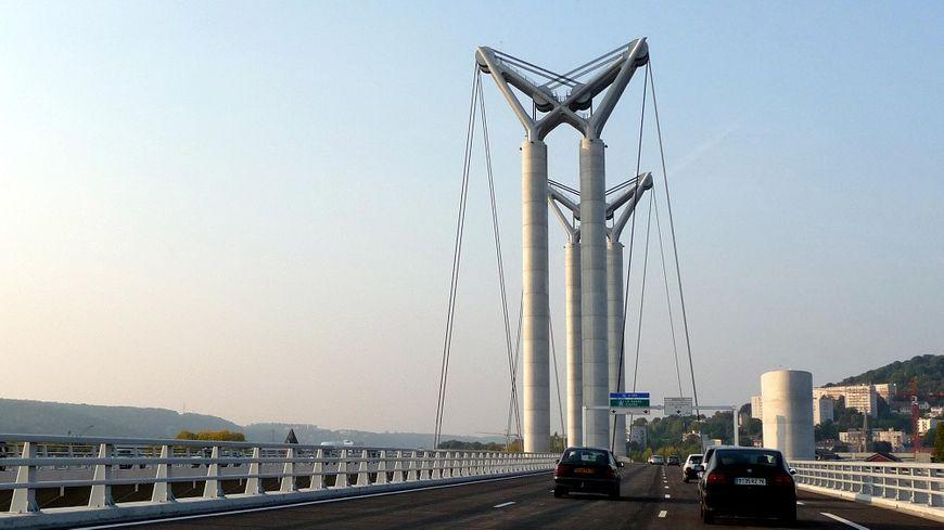 Le pont Flaubert a été mis en service le 25 septembre 2008.