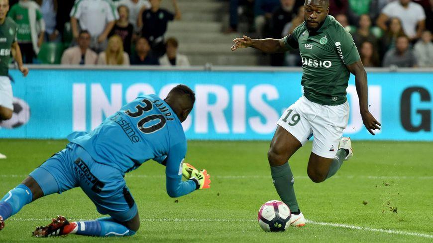 Brice Samba a réalisé quelques parades, mais il encaisse encore deux buts ce samedi à Saint-Etienne