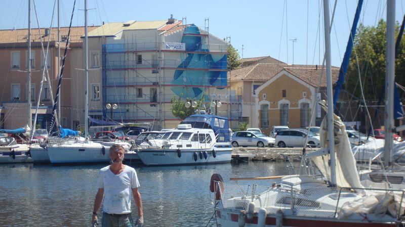 Guillaume Bottazzi dévoile son tableau de 80m² dans le quartier historique de Martigues