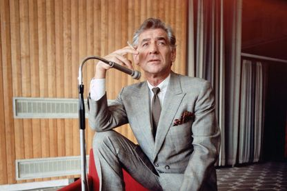 Leonard Bernstein aurait eu 100 ans en 2018. Sur cette photo à Londres, en 1970, il en a 52.
