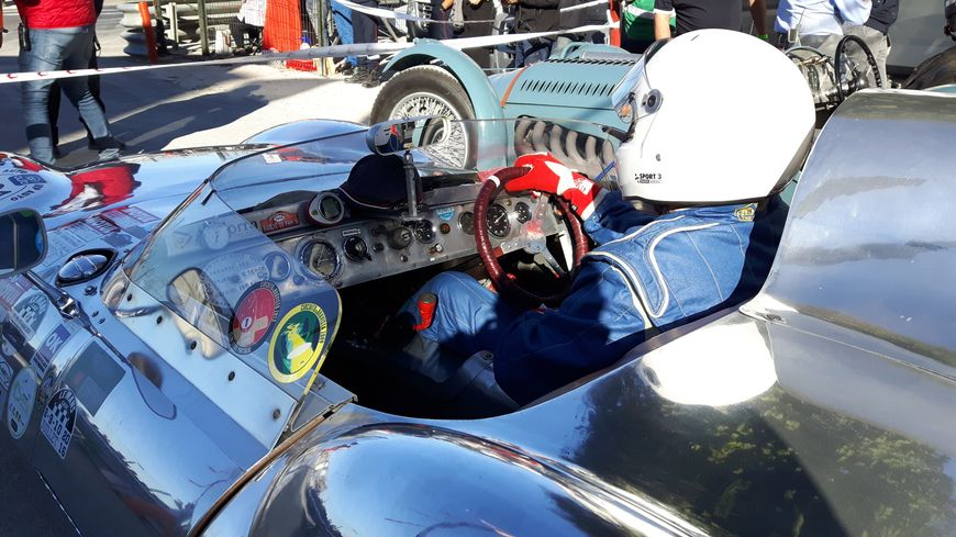 Le circuit des remparts est le lieu de rendez-vous de dizaines de voitures de course de collection, qui s'affrontent sur un circuit inchangé depuis 1939