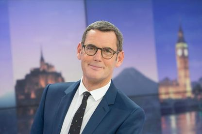"""Francis Letellier, un pur produit France 3 qui n'a jamais travaillé sur une autre chaîne. Il est aussi aux commande de l'émission """"Dimanche en politique""""."""