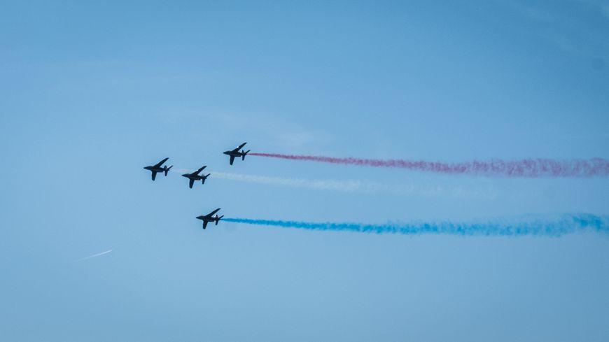 La patrouille de France lors du Meeting Aérien des 50 ans aérodrome de la Vèze, dans le Doubs.