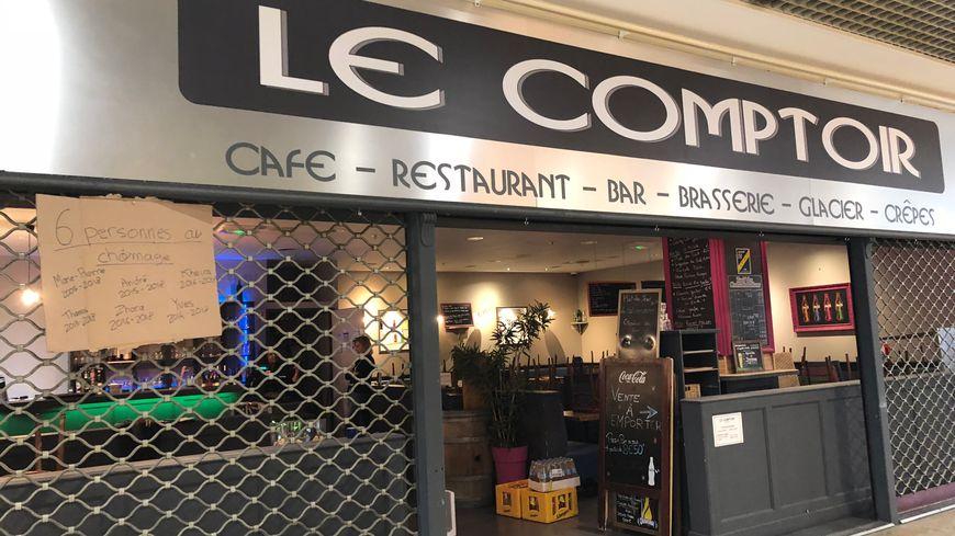 Les employés ont fermé une dernière fois le restaurant Le Comptoir ce lundi 24 septembre, à midi.