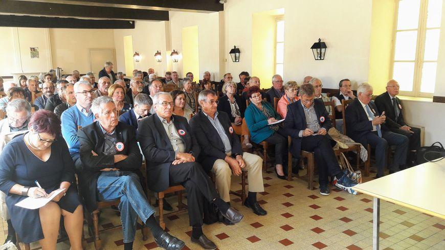 Les maires ruraux de l'Indre, très remontés, ont voté une motion pour la réouverture de la maternité du Blanc et la décision de boycotter la remontée des résultats des élections européennes