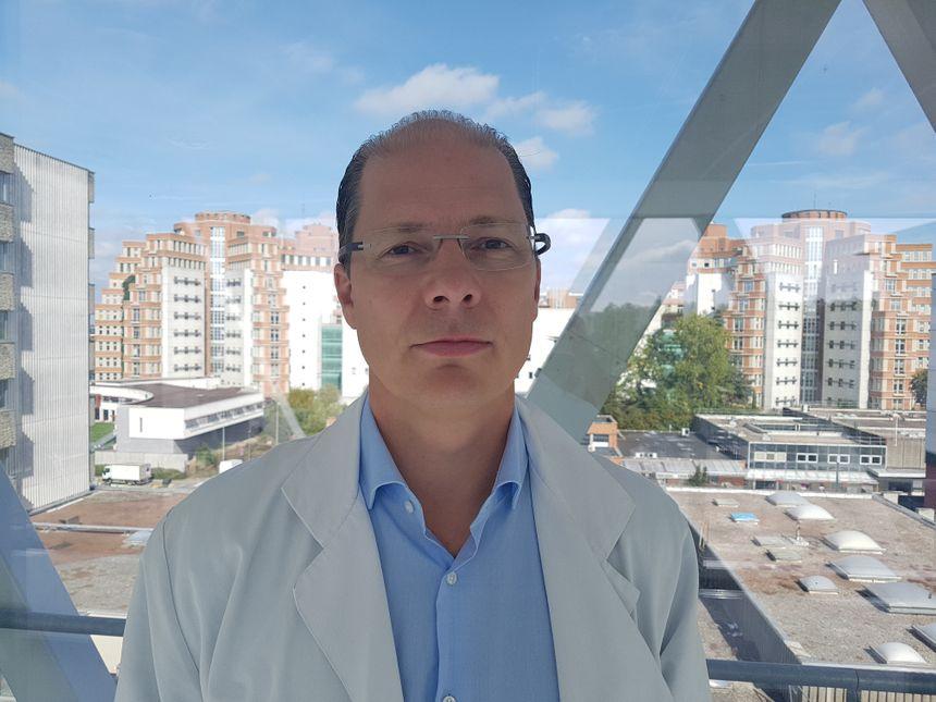 Le professeur Arnaud Sudre dirige le service de cardiologie interventionnelle au CHU de Lille - Radio France