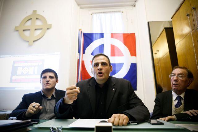 Yvan Benedetti (au centre) et Alexandre Gabriac (à gauche) le 28 octobre 2013