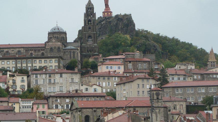 Le Puy-en-Velay veut défendre le commerce de centre-ville