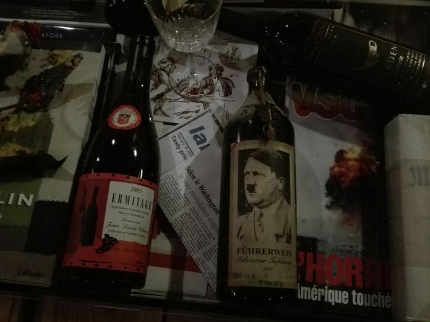 Michel-Jacques Chasseuil possède une bouteille de la cave du dictateur allemand Hitler