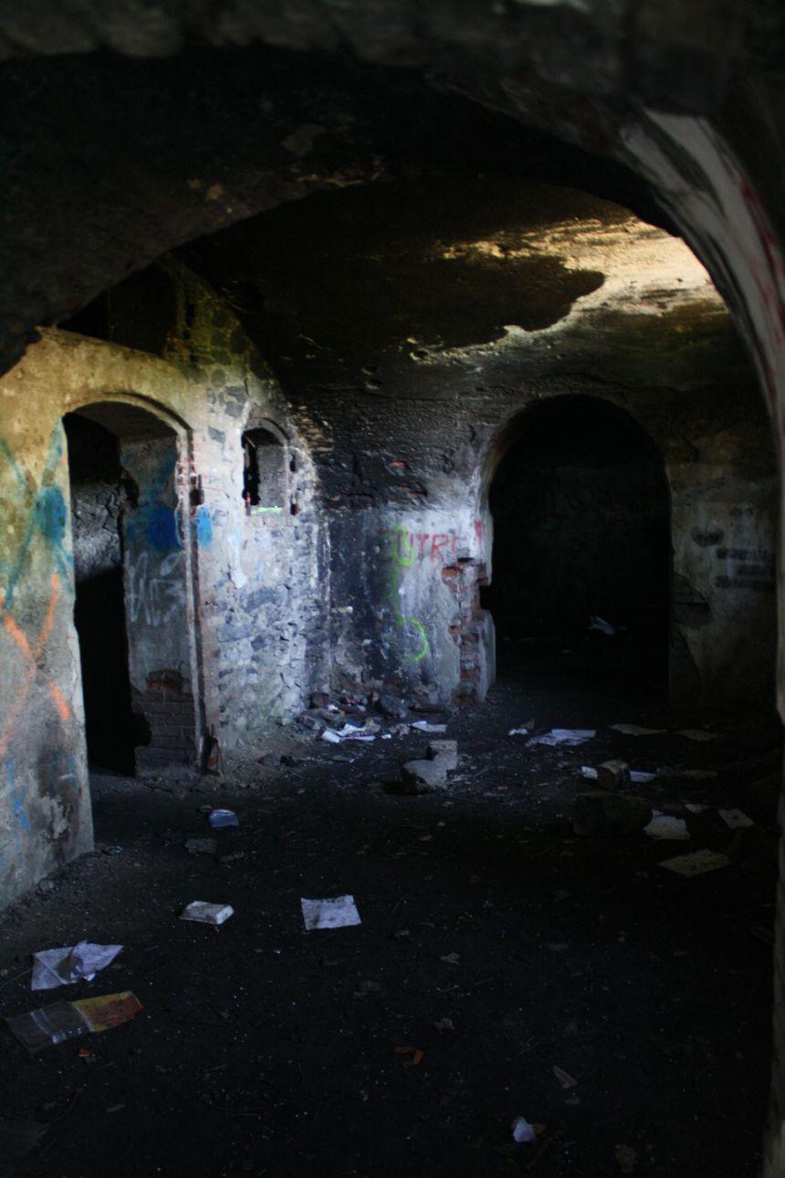 Terrain convoité par les joueurs d'airsoft, le fort de Montavie est laissé à l'abandon depuis les années 1970.