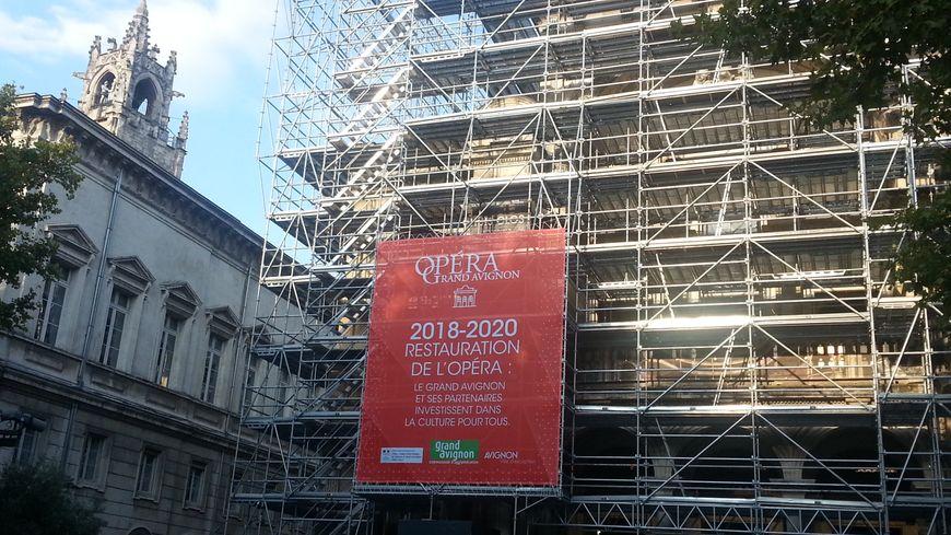 Un opéra entièrement rénové et modernisé de l'interieur pais aussi restauré sur toutes ses facades