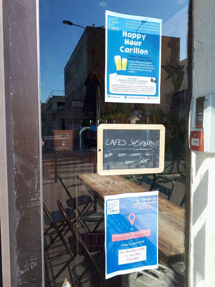 Le Wanted café de Bordeaux, propose notamment des cafés suspendus, avec le Carillon