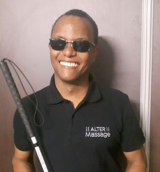 Pierre-Louis Jominy, masseur aveugle en entreprise