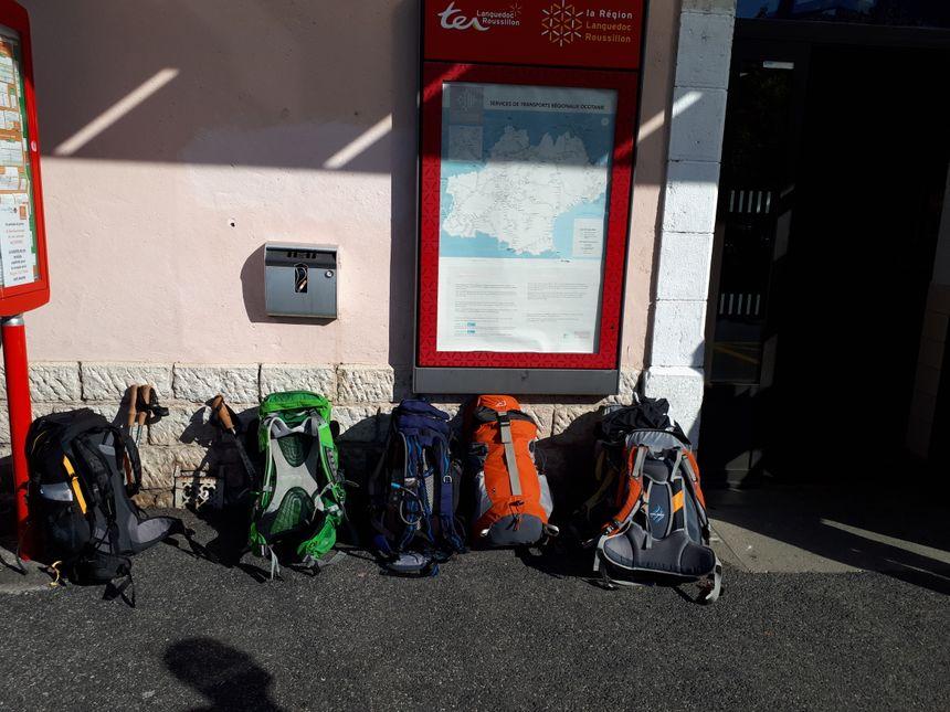 Le groupe arrive à la gare de Mende, direction la Haute-Loire, début de l'aventure de Compostelle.