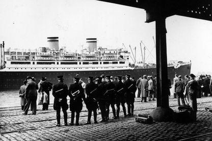 Le paquebot Saint-Louis dans le port d'Anvers en juin 1939