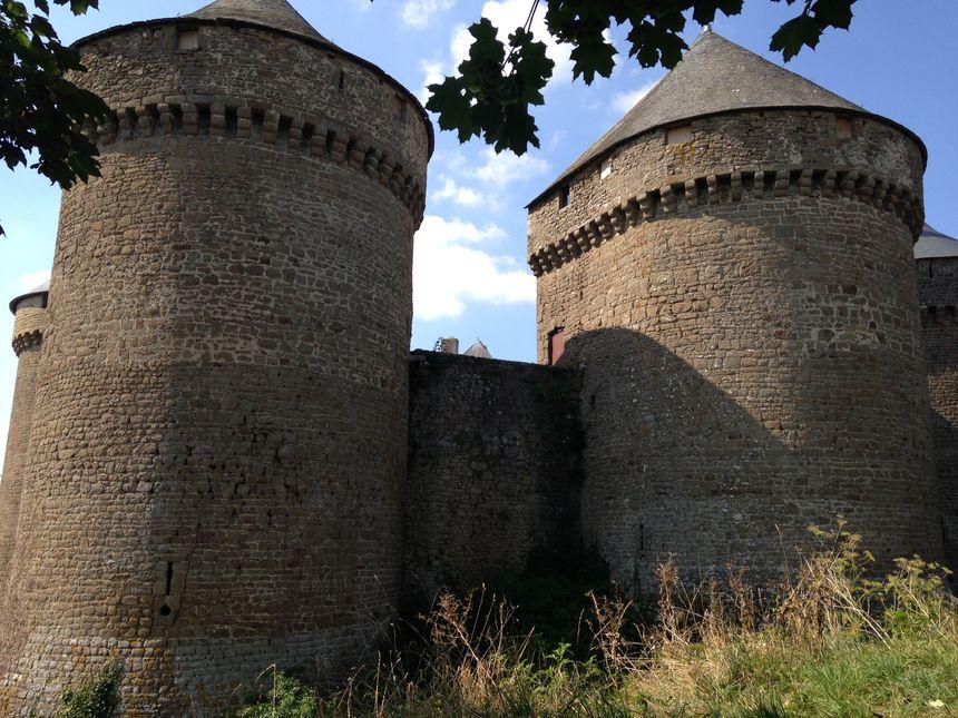 Les travaux de restauration des fondations du château de Lassay sont estimés à 350 000 euros.