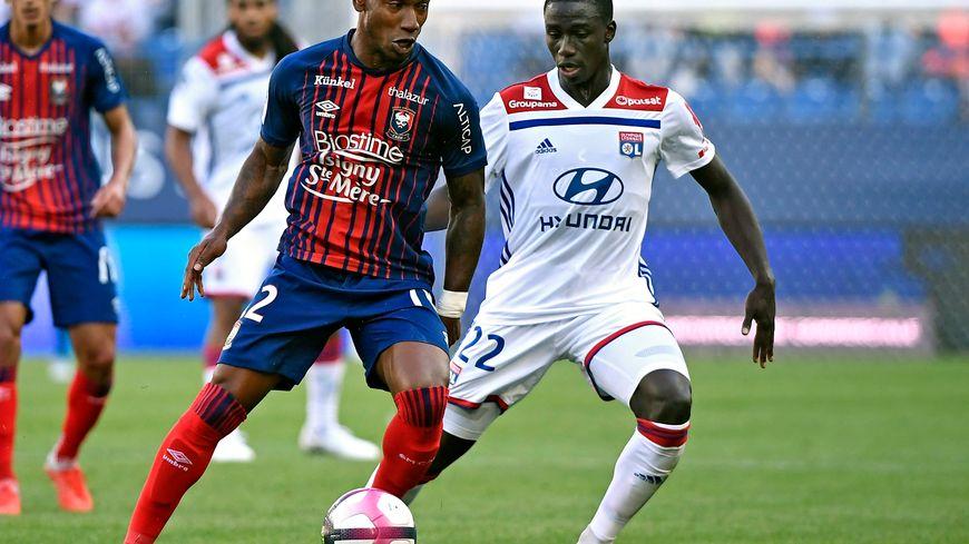 Avec un but marqué chacun, Claudio Beauvue et Ferland Mendy ont été les acteurs principaux de ce Caen- OL de la 5ème journée de Ligue 1.