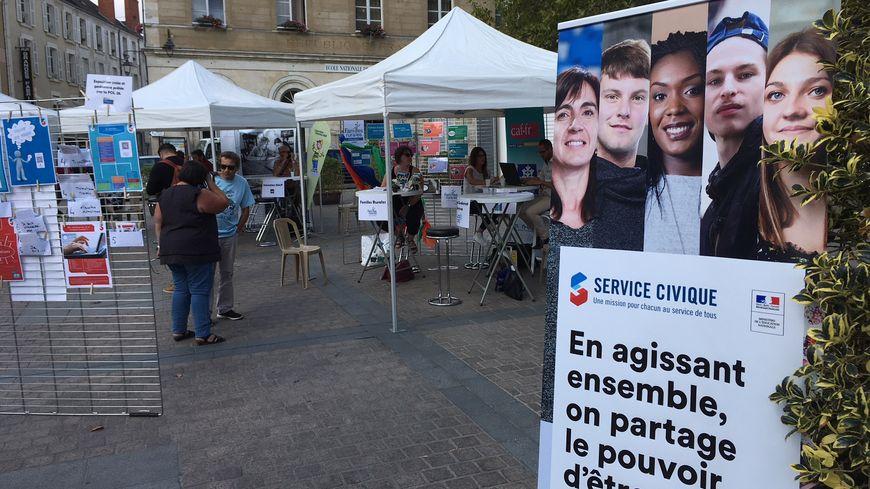 Il devrait y avoir près de 300 missions en service civique à pourvoir cette année dans l'Indre.
