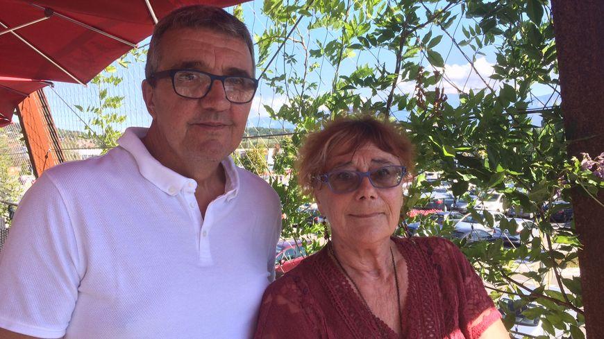 Aline Bonanno et Franck Maucci à Épagny pour une réunion publique autour du Levothyrox